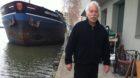 René Rueger von der Schiffswerkstatt am Kleinhüninger Hafen bekommt bald einen Nachbar: eine Beiz direkt am Wasser.