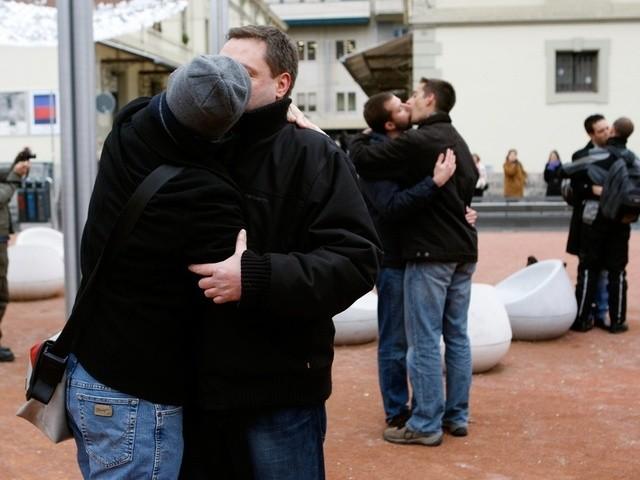 Schwule Adoption kontroverse Themen