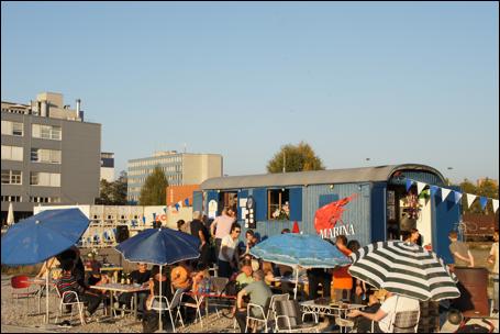 Nach der Pilotphase im letzten Herbst wird die Hafenbuvette «Marina» auch 2012 geöffnet.