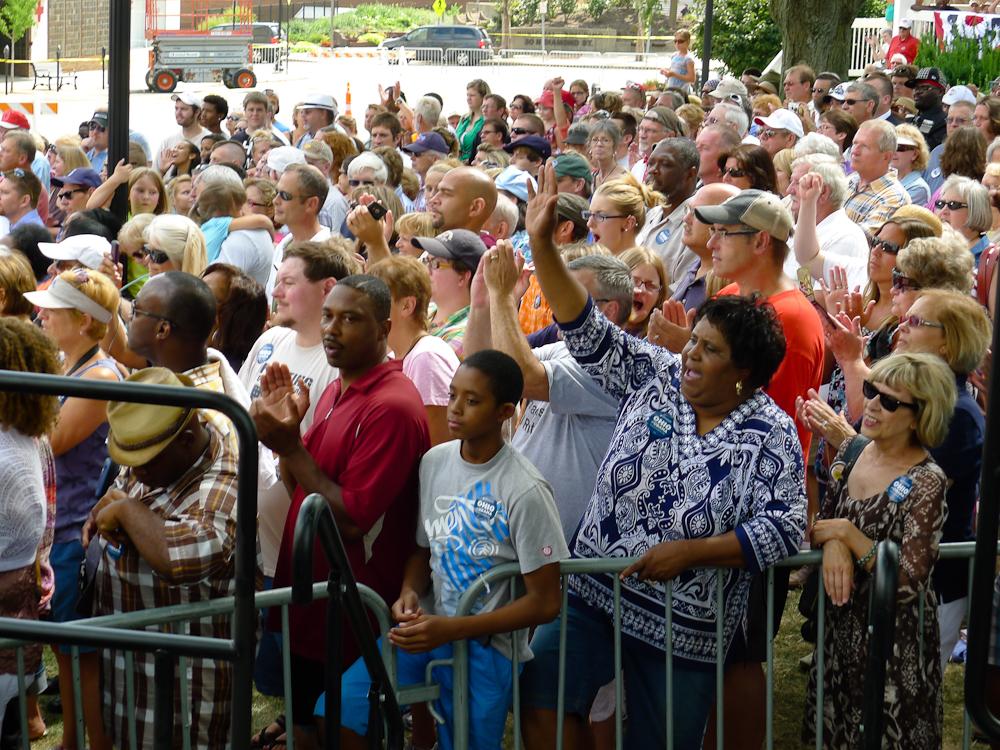 Obama in Mansfield - Zustimmung der Menge.