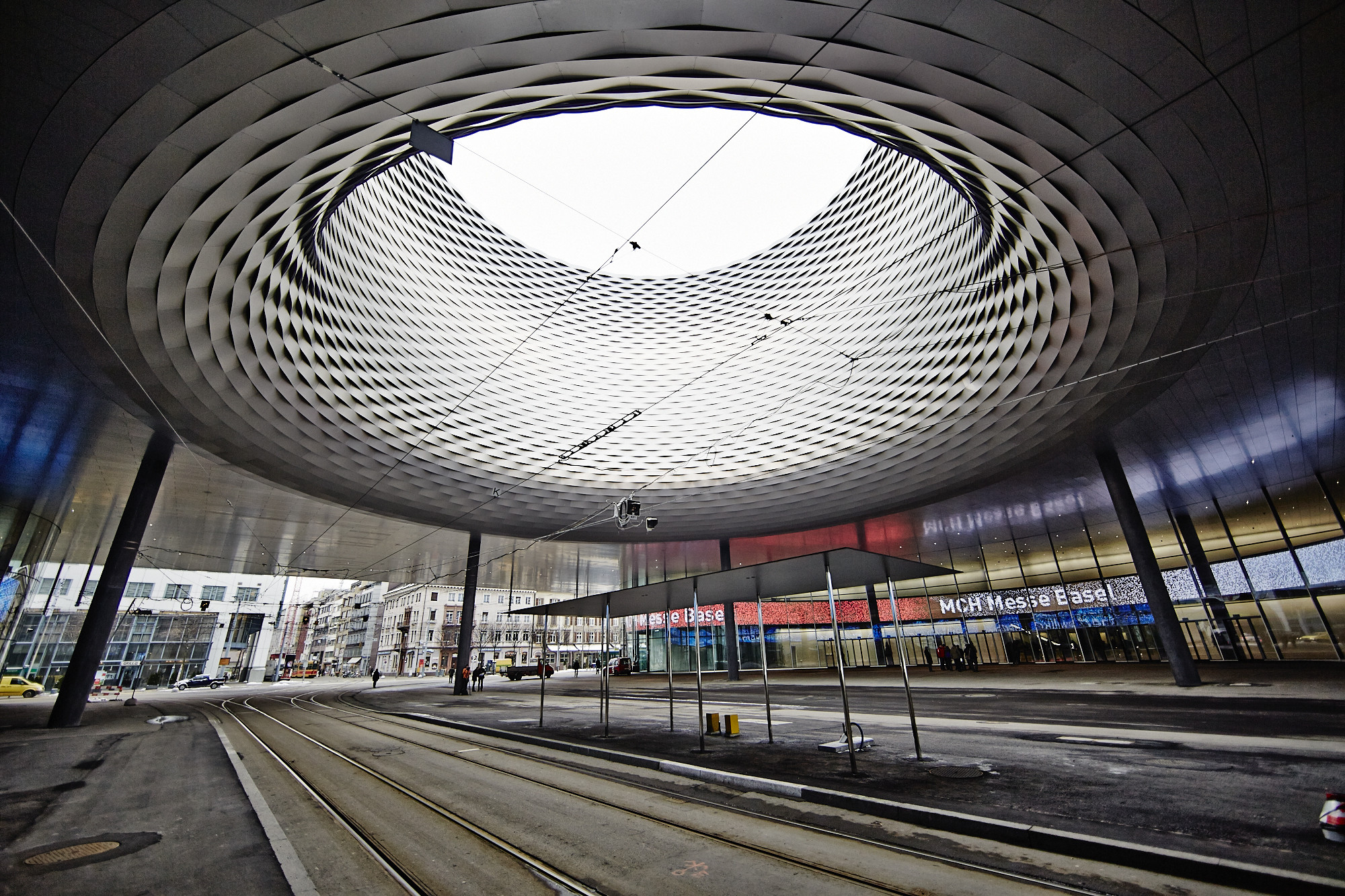 Die messe hat zum rundgang durch den neuen bau geladen for Architektur basel