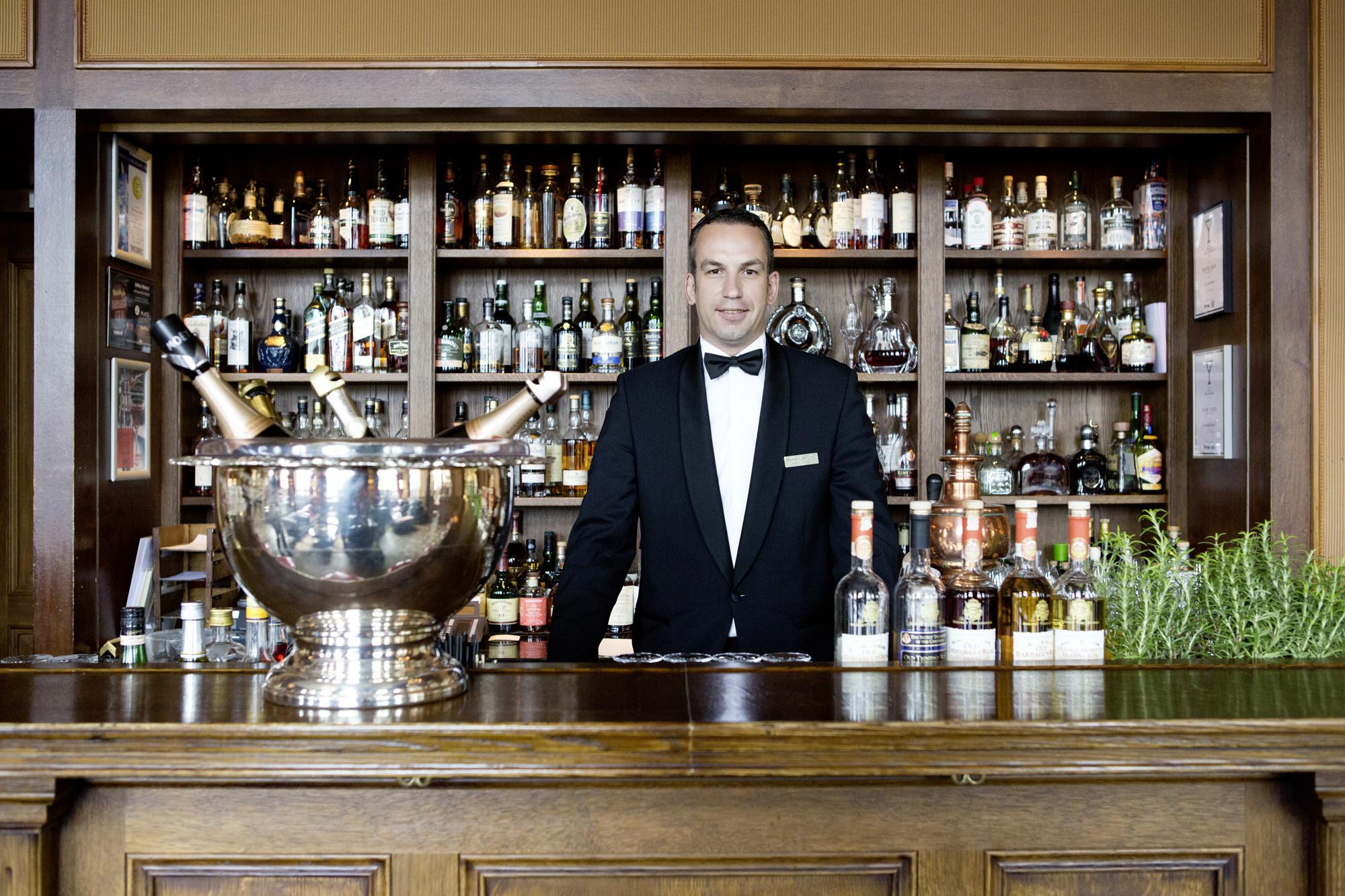 Groß Barkeeper Beispiel Fortsetzen Fotos - Entry Level Resume ...