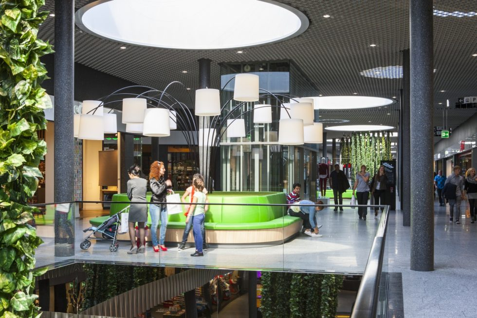 Das st cki shoppingcenter will mit neuer innendekoration for Innendekoration wil