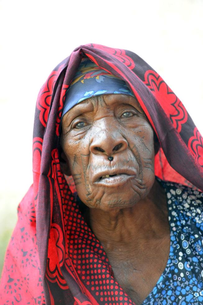 Afrikanische Frauen tubes