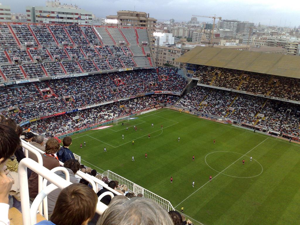 Der Valencia Club de Futbol hat ein anspruchsvolles Publikum im altehrwürdigen Stadion Mestalla inmitten der Küstenstadt.