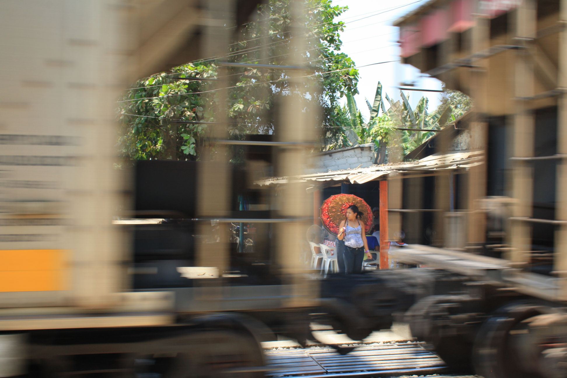 Die Züge und Maschinerien des Kohlenbaus sind allgegenwärtig