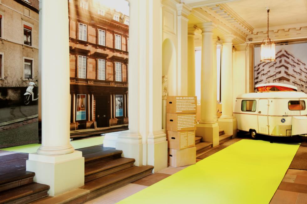 im haus zum kirschgarten tritt das historische wohnen in einen dialog mit der zeitgen ssischen. Black Bedroom Furniture Sets. Home Design Ideas