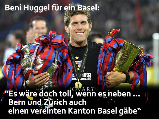 Die Spieler des FC Basel mit Benjamin Huggel feiern den Meistertitel im Stadion St. Jakob-Park in Basel, am Mittwoch, 23. Mai 2012. (KEYSTONE/Georgios Kefalas)