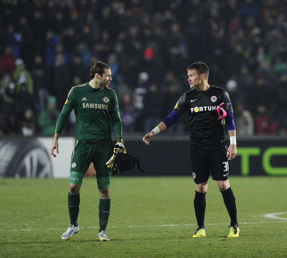 Tomas Vaclik und Petr Cech (links) – hier beim Europa-League-Sechzehntelfinal im Februar 2013, als Sparta Prag gegen Chelsea ausschied, den späteren Halbfinalgegner des FC Basel.