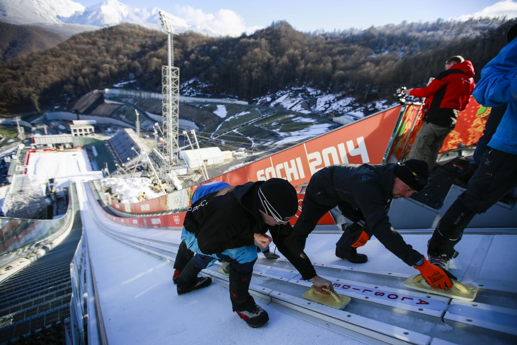 Die Sprungschanzen von Ruski Gorki in den Bergen der Krasnaya Polyana: Auf Sand gebaut und nicht benötigt.