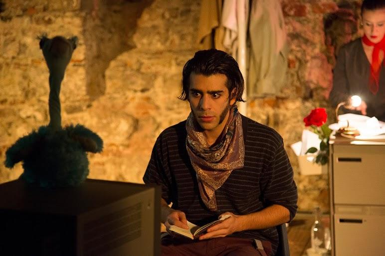 Hat sich extra fürs Stück massive Koteletten wachsen lassen: Luca Vincenzi in «Deadline».
