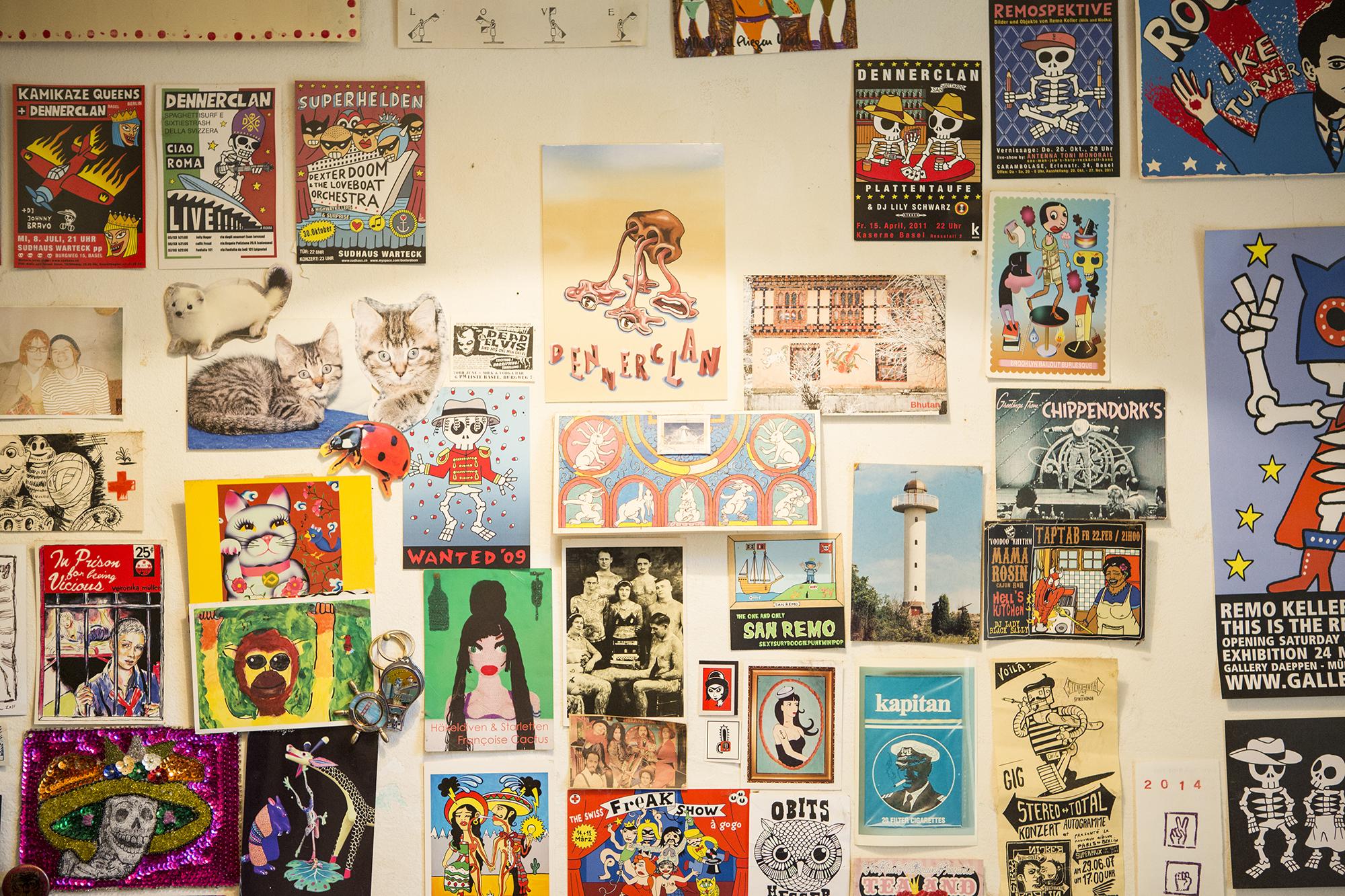 Eine Wand voller Plakate: In Remo Kellers Wohnung ist Kunst überall.
