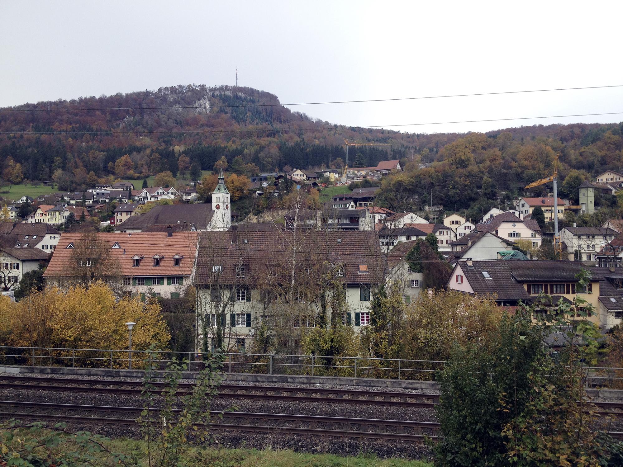 Grellingen ist malerisch gelegen, dass Dorf verspricht Idylle.