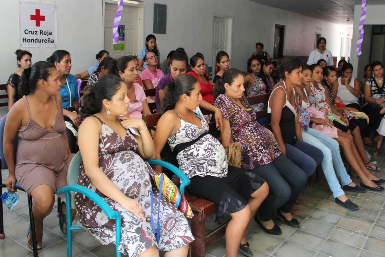 Treffen junger schwangerer Frauen in Honduras.