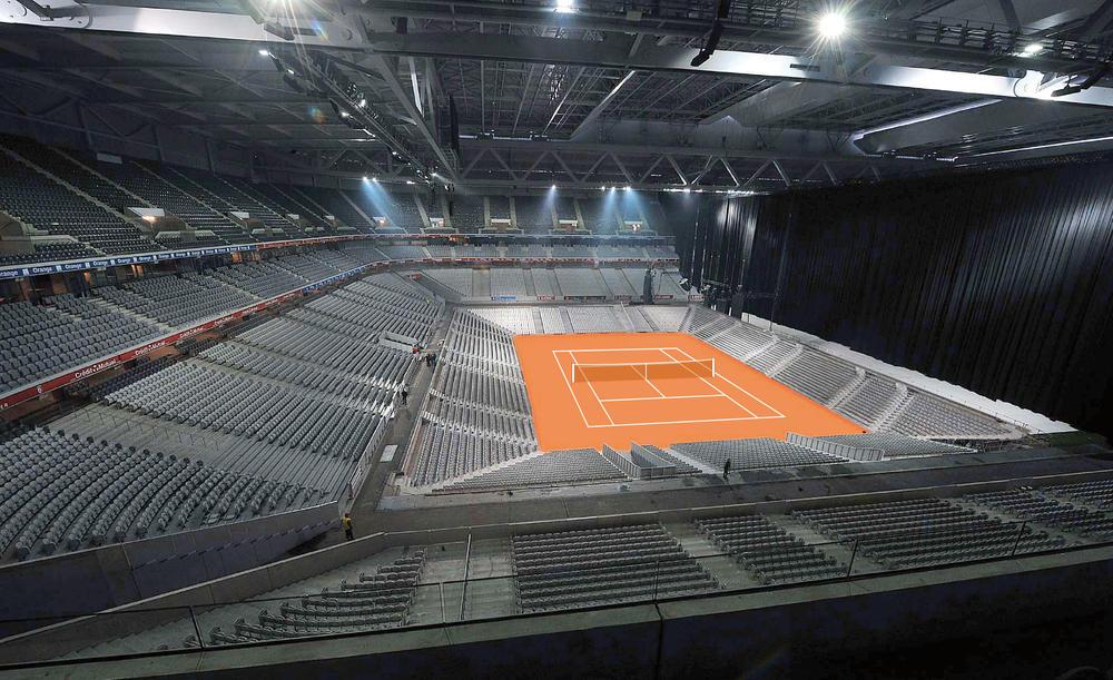 Das Fussballstadion von Lille - halbiert und hergerichtet für 27'000 Zuschauer für den Davis-Cup-Final Frankreich gegen die Schweiz.