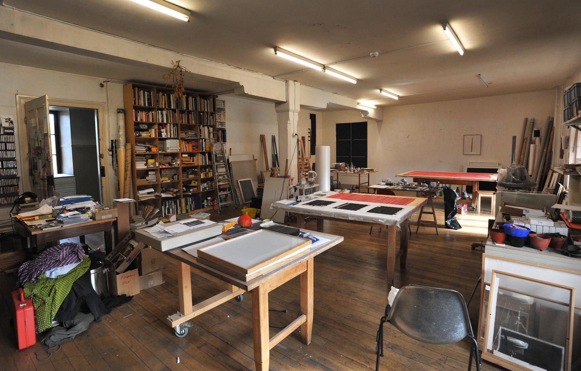 «Künstler ist man bis zum Tod.»: Atelier von Corsin Fontana.