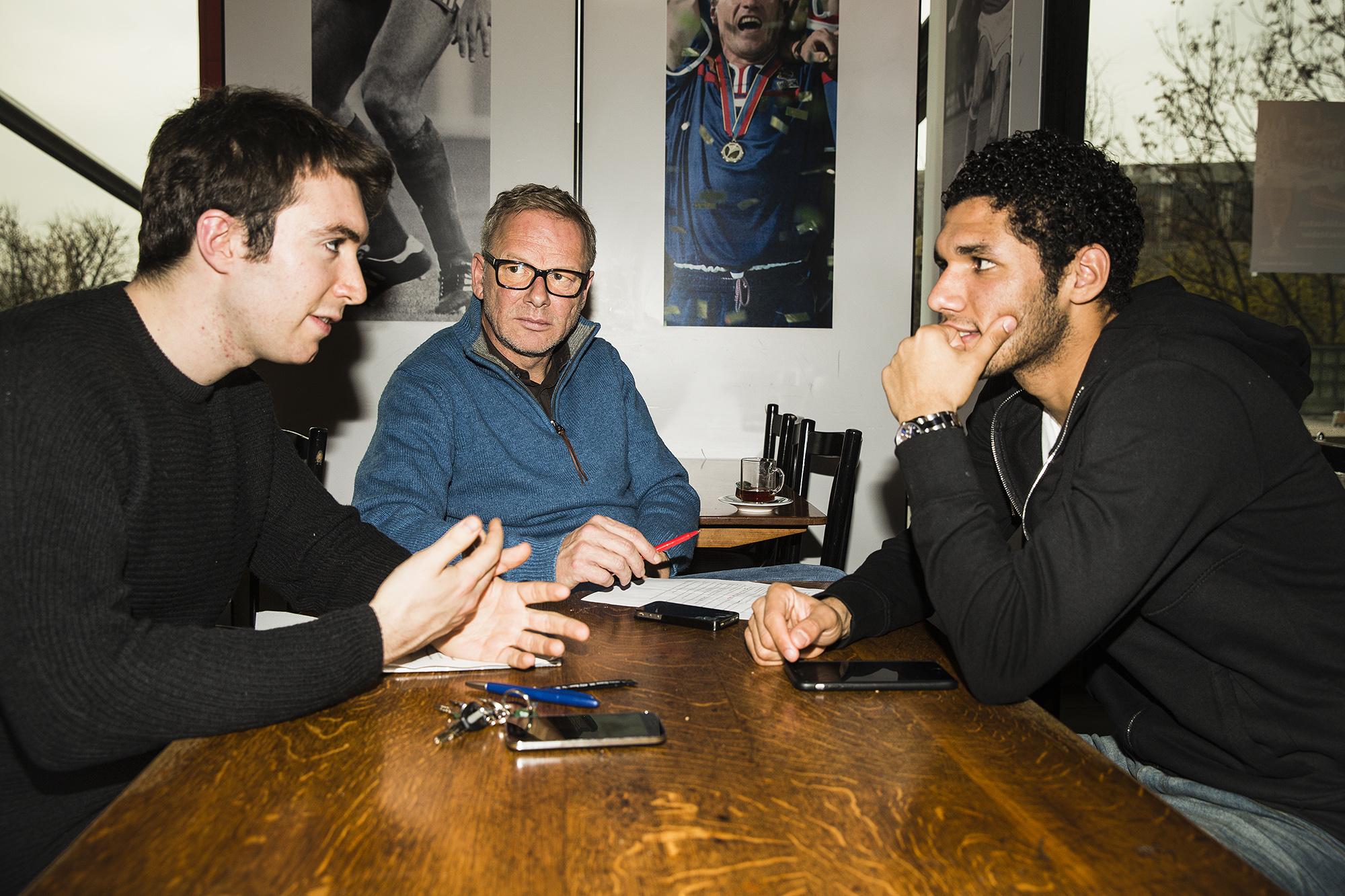 FOTO: TAGES WOCHE/STEFAN BOHRER ORT: BASEL - 4.12.2014: INTERVIEW MIT DEM AEGYPTISCHEN SPIELER DES FC BASEL - MOHAMED EL NENNY.