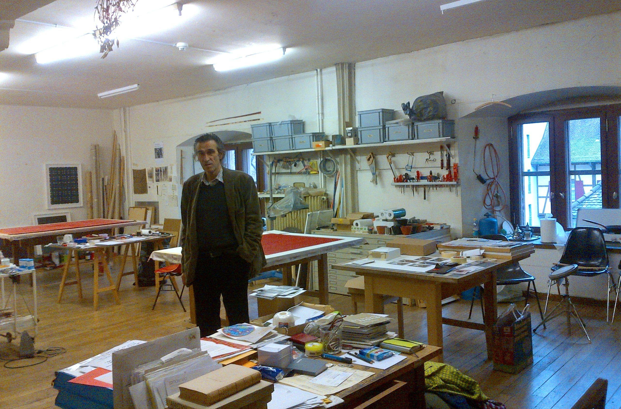 Corsin Fontana in seinem Atelier.