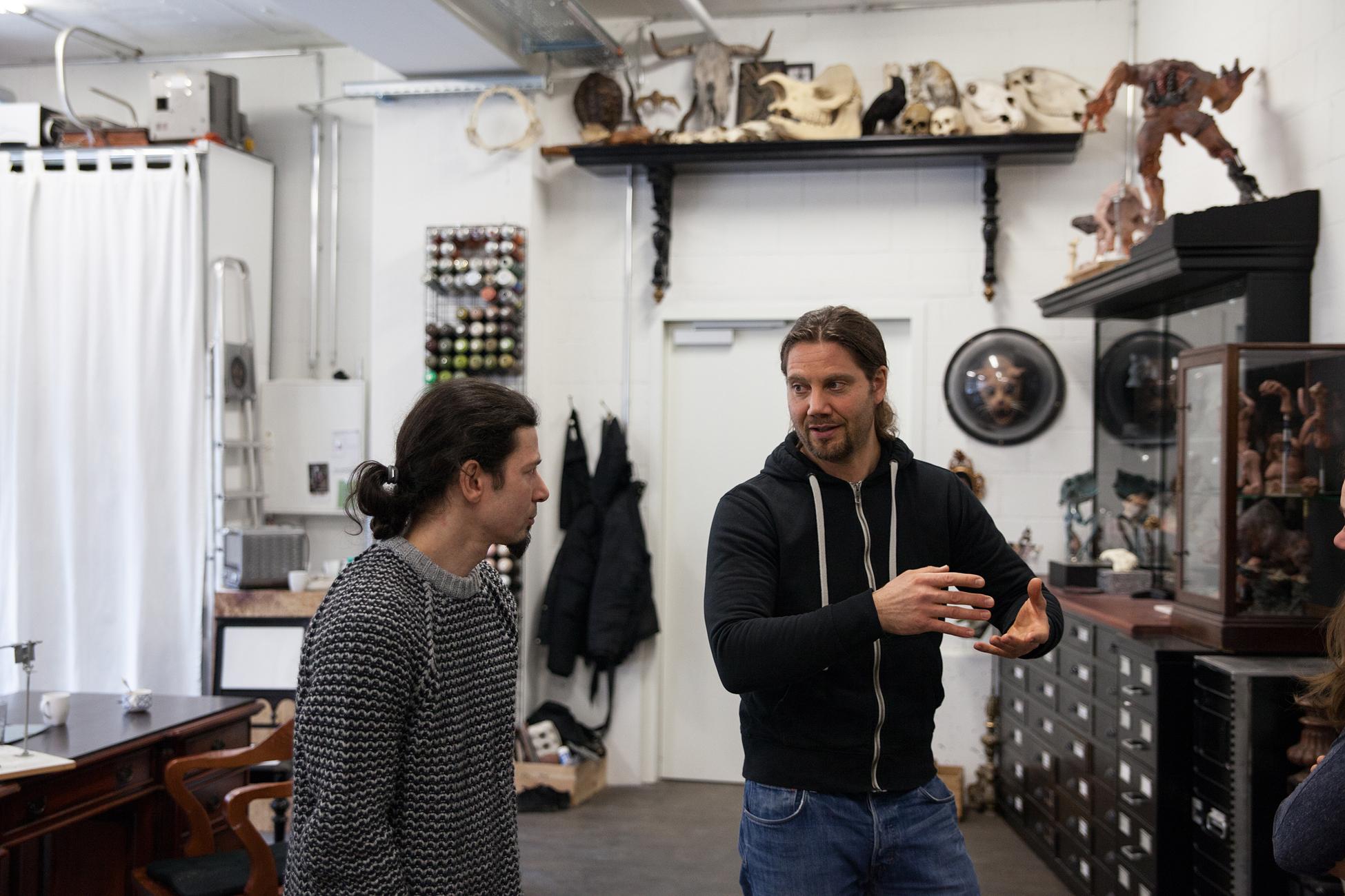 Leidenschaft fürs Skurrile: Clauss und Steiner in ihrem Atelier in Oberwil.