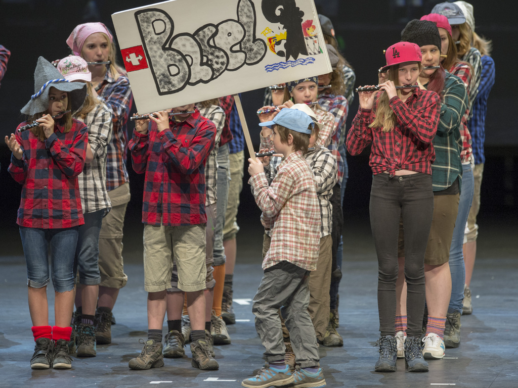 Die Jungi Garde der Seibi führen auf eine reizende musikalische Schweizerreise.