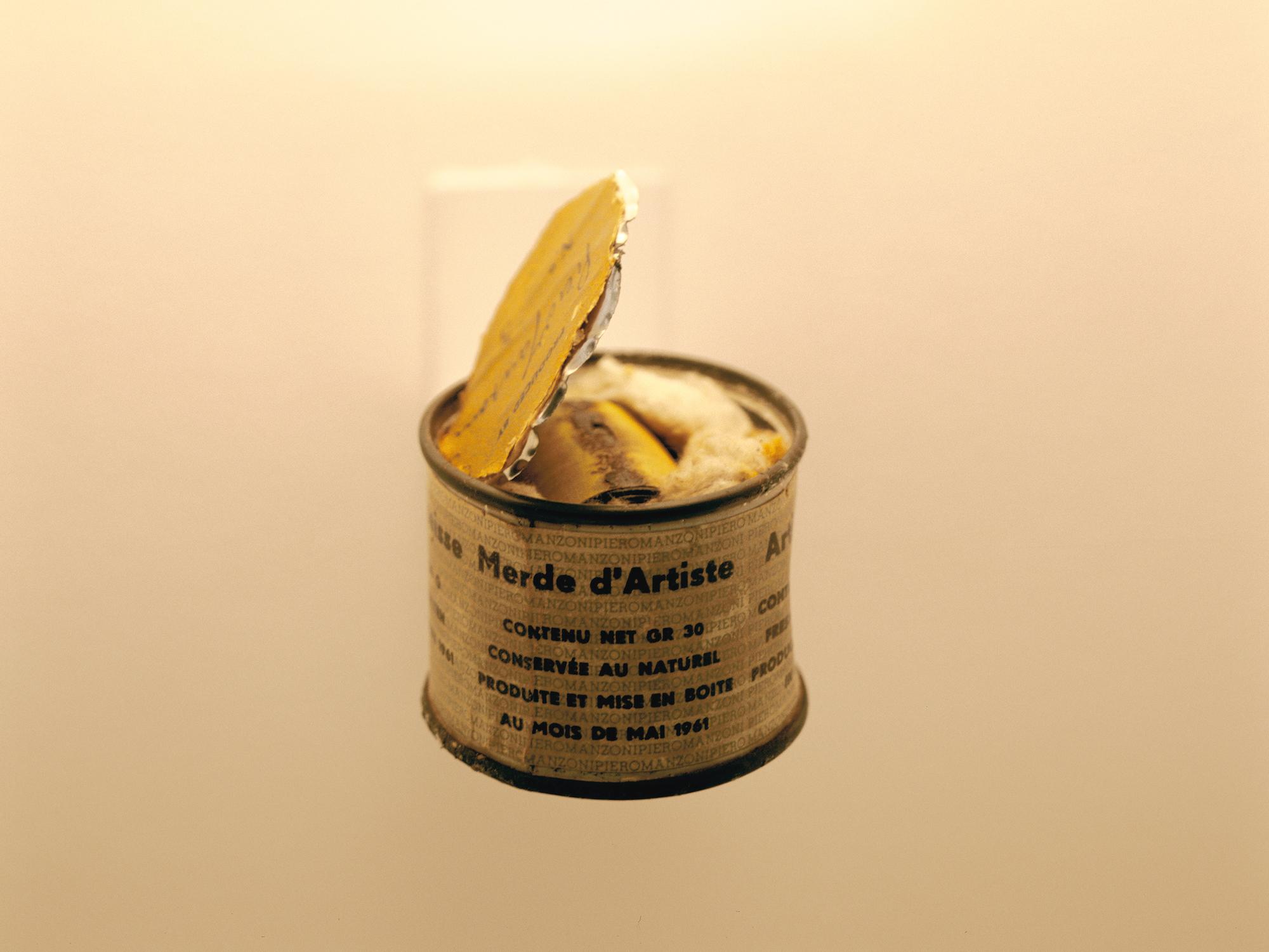 Noch gruseliger: Die von Bernard Bazile geöffnet Büchse mit Manzonis «Merda d'artista»
