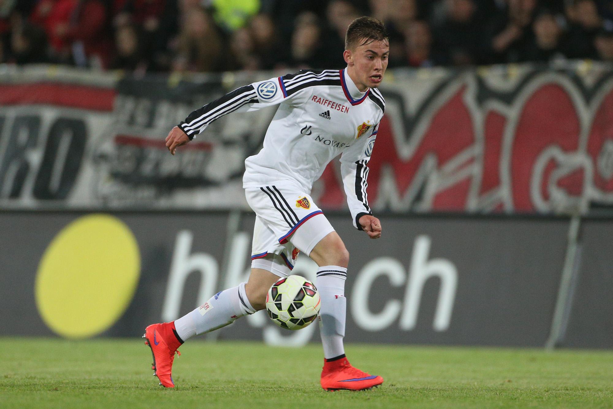 Aarau, 20.05.2015, Fussball Super League - FC Aarau - FC Basel, Robin Huser (FCB). (Marc Schumacher/EQ Images)