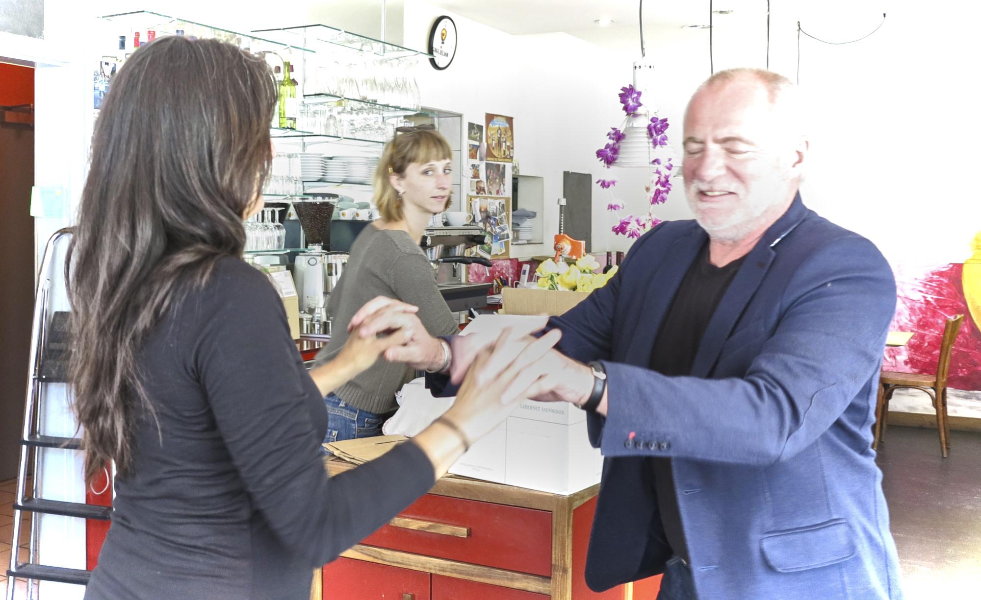 Das Restaurant bleibt: Die Betreiber der Oetlinger-Buvette werden das Lokal übernehmen.