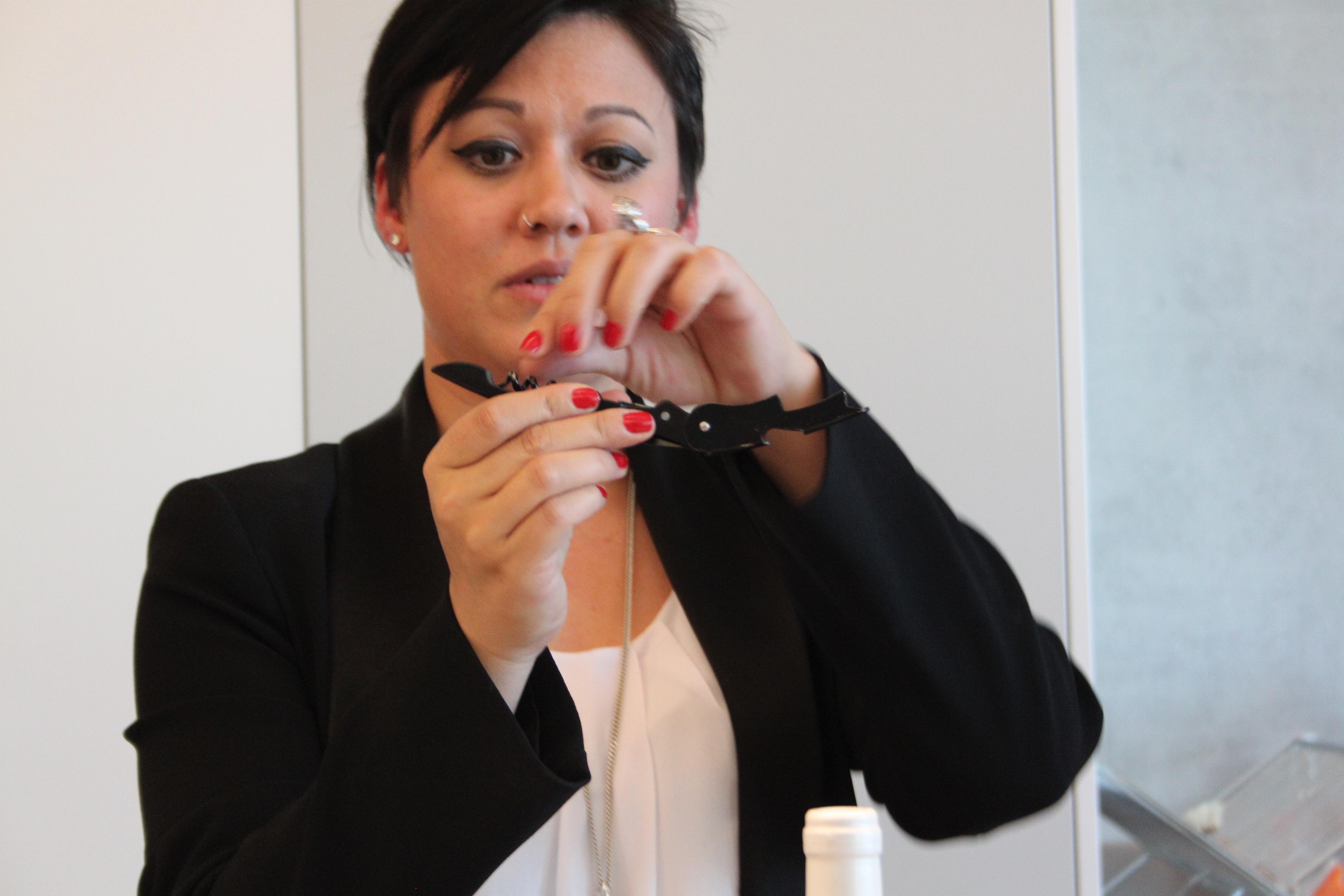 Tipps von der Fachfrau: «Ein Kellnerkorkenzieher reicht vollkommen aus», sagt Faye Koehler.