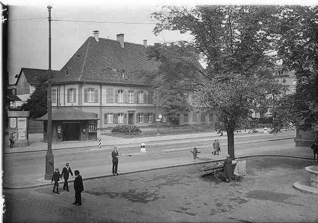 Der Äbtische Hof um 1934.