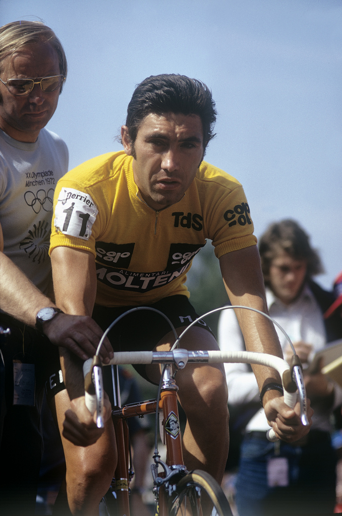 ZUM 70. GEBURTSTAG DER BELGISCHEN RADSPORT-LEGENDE EDDY MERCKX AM MITTWOCH, 17. JUNI 2015, STELLEN WIR IHNEN FOLGENDES MATERIAL ZUR VERFUEGUNG - Eddy Merckx startet am 13. Juni 1974 in Gippingen, Kanton Aargau, zum Prolog der Tour de Suisse. (KEYSTONE/PHOTOPRESS-ARCHIV/Str)