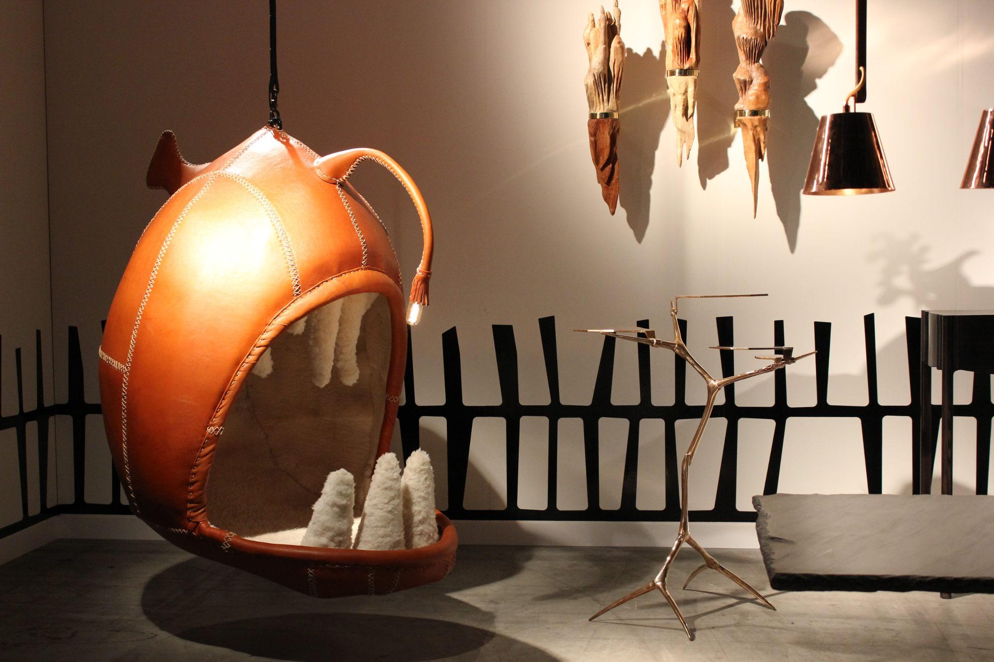 Unsinniger Blickfang: Die zahlreichen zeitgenössischen Entwürfe buhlen um Aufmerksamkeit. So auch der Sitzfisch bei Southern Guild aus Cape Town.