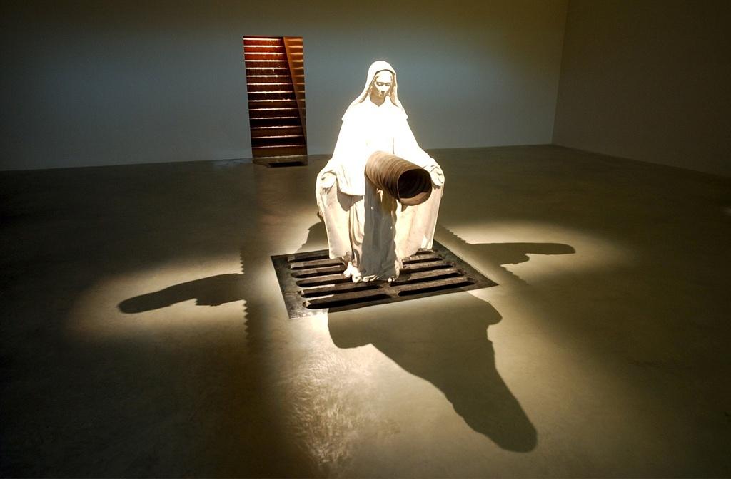 Mehrteilige Installation ohne Titel von Robert Gober (1995-1999).