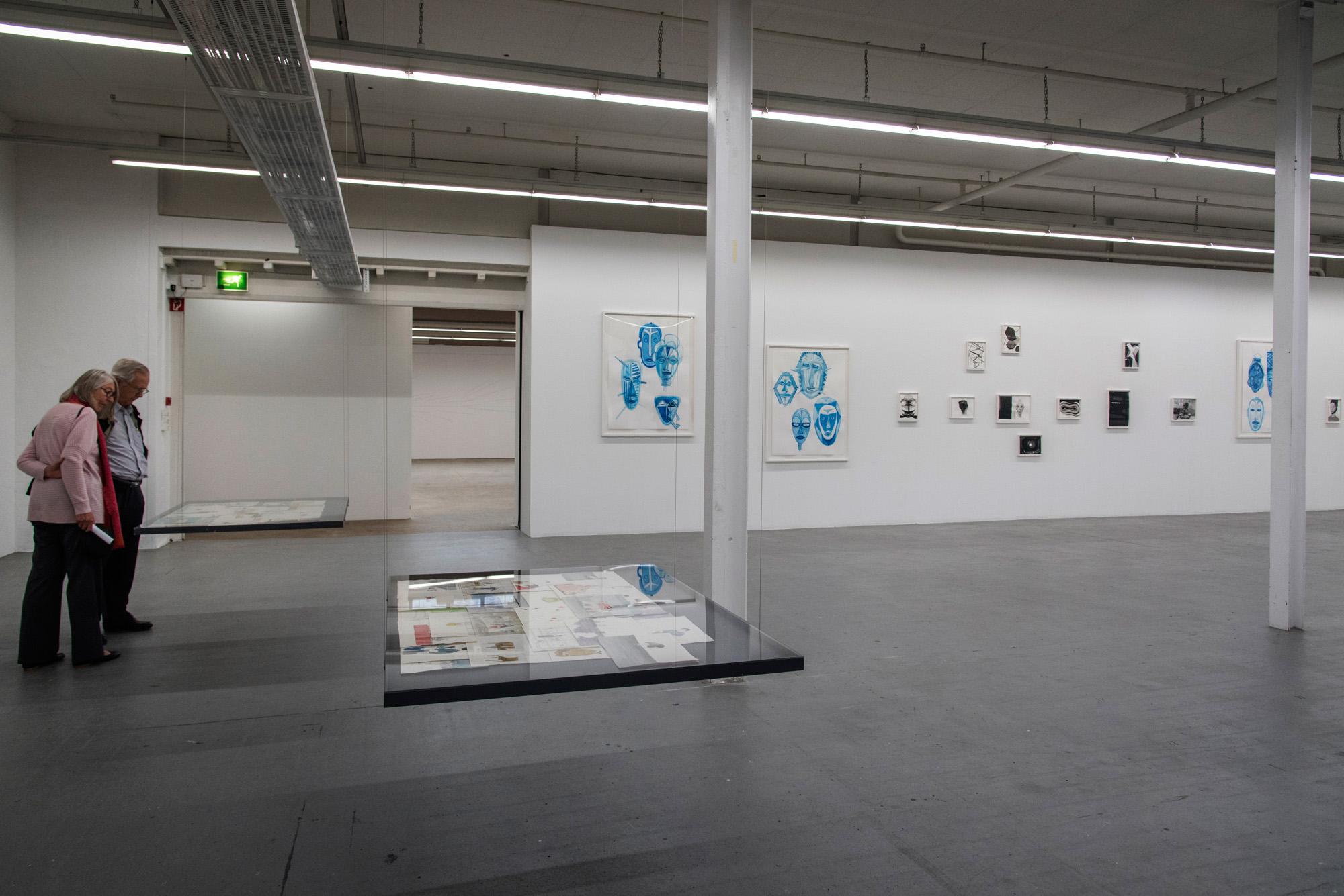 Minimal strukturiert: Ausstellungsansicht von «Überzeichnen. Von Basel aus»