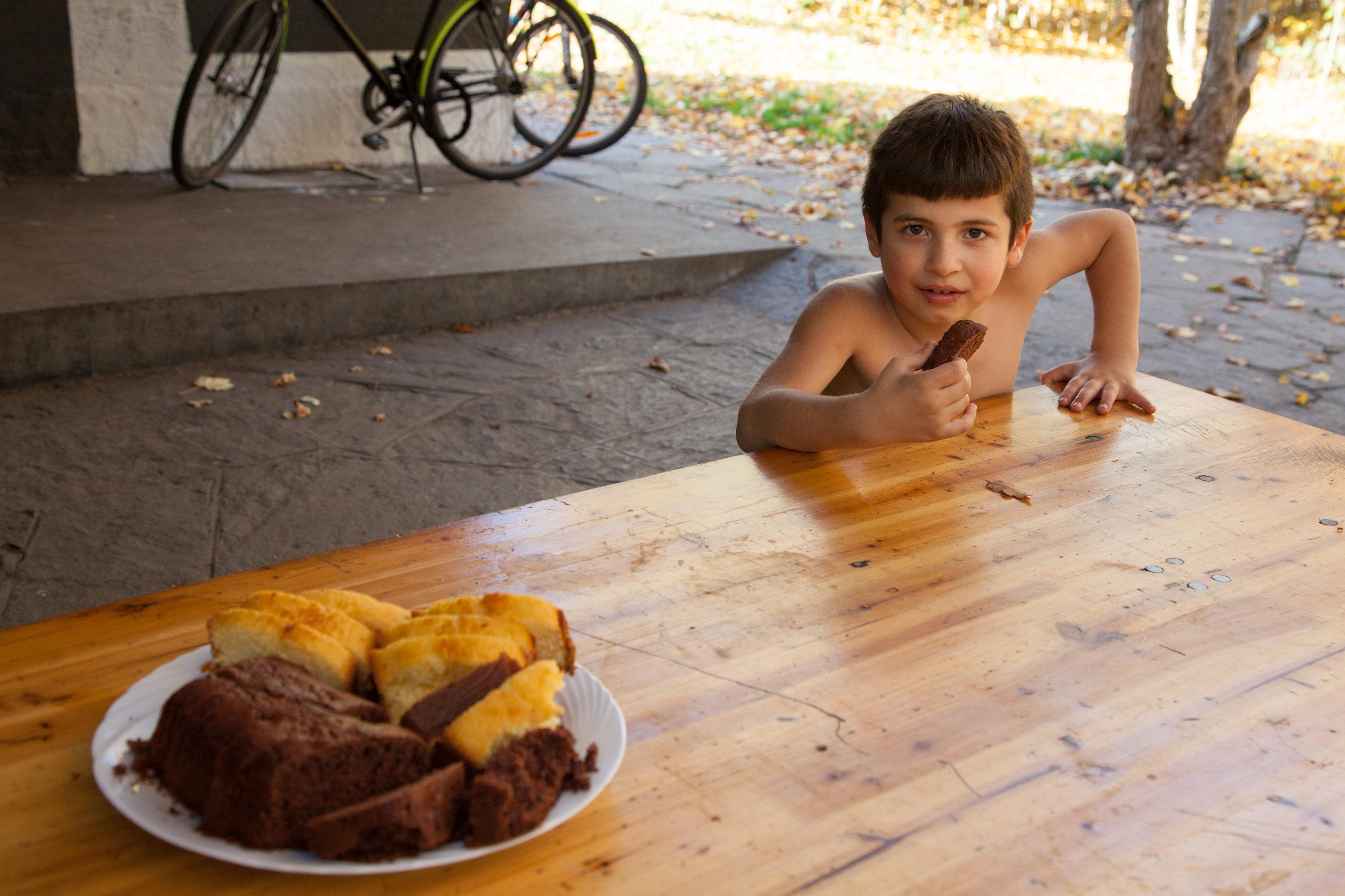 Manchmal backen Freiwillige Kuchen, ein Fest für die Besucher.