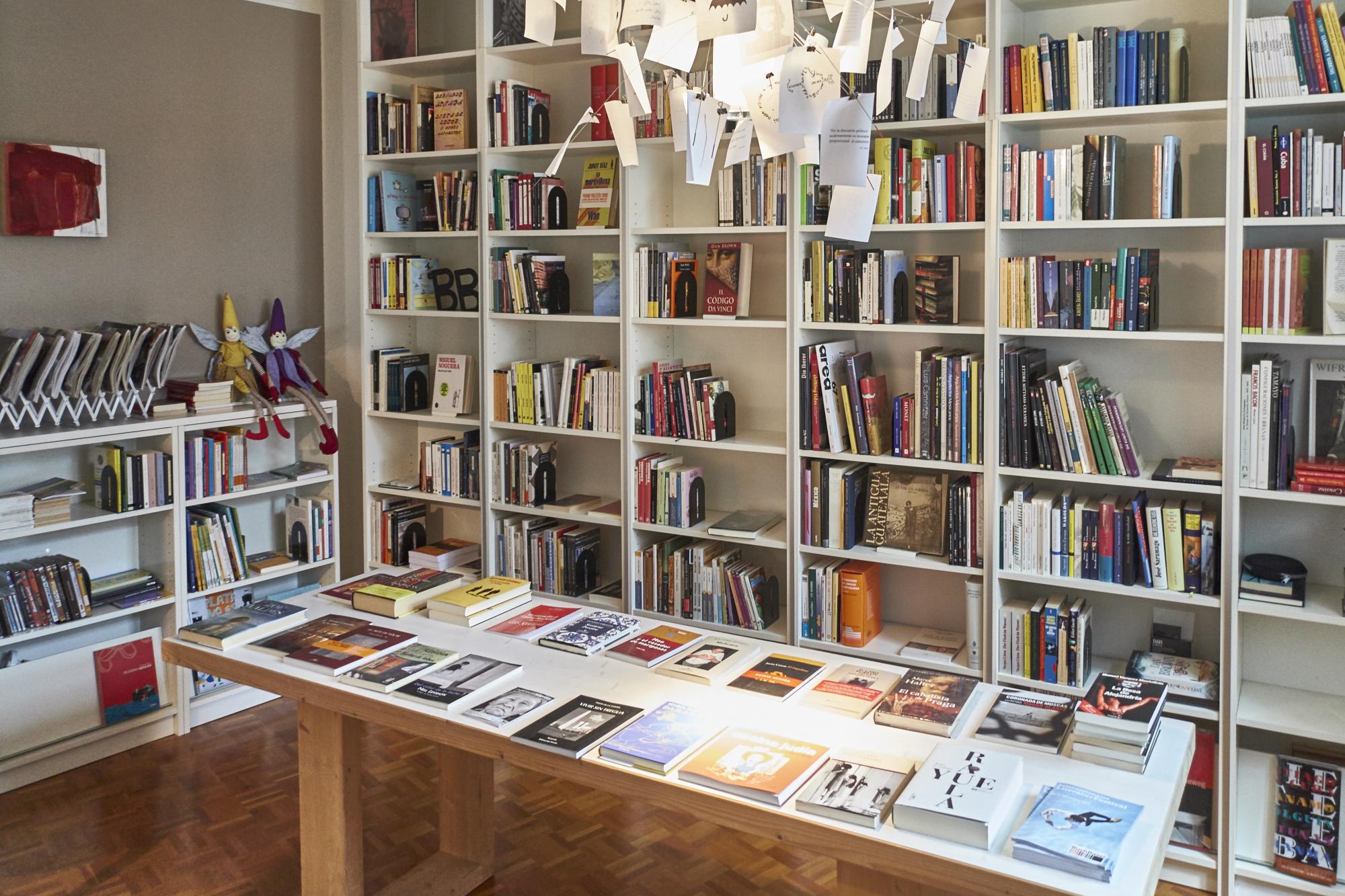 Die Bücher sollen im Café Con Letras weichen, aber nicht alle.