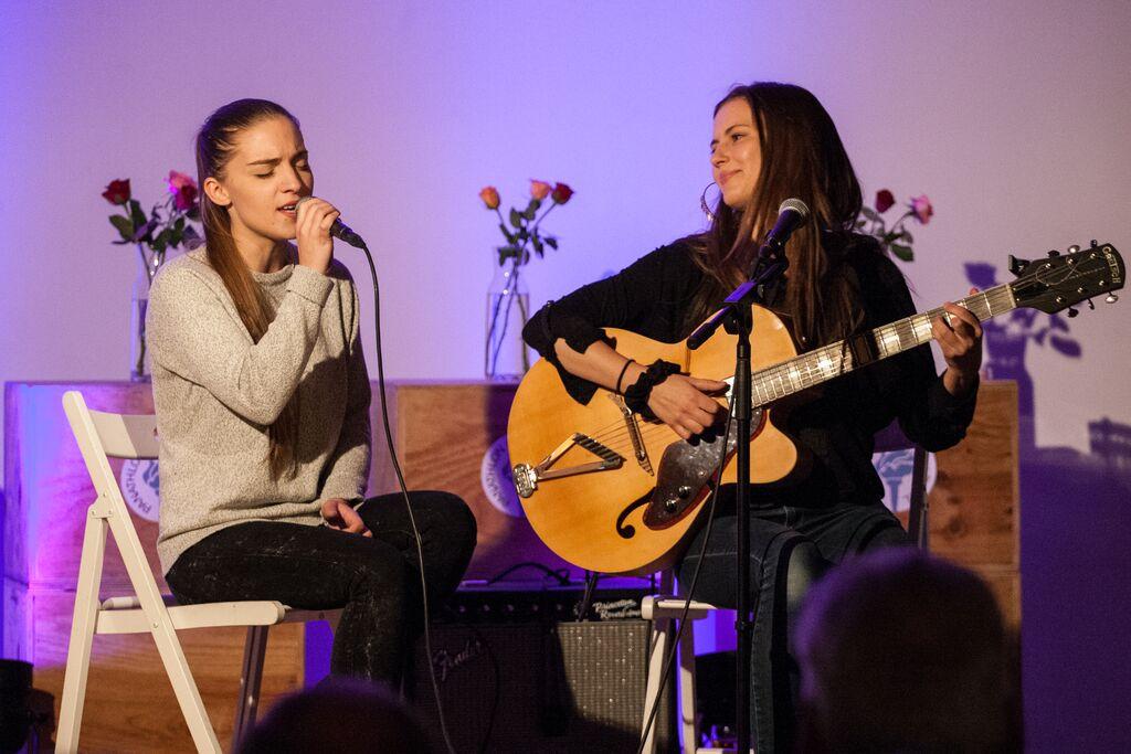Musikalische Begleitung des Abends: «Julia und Emilia»