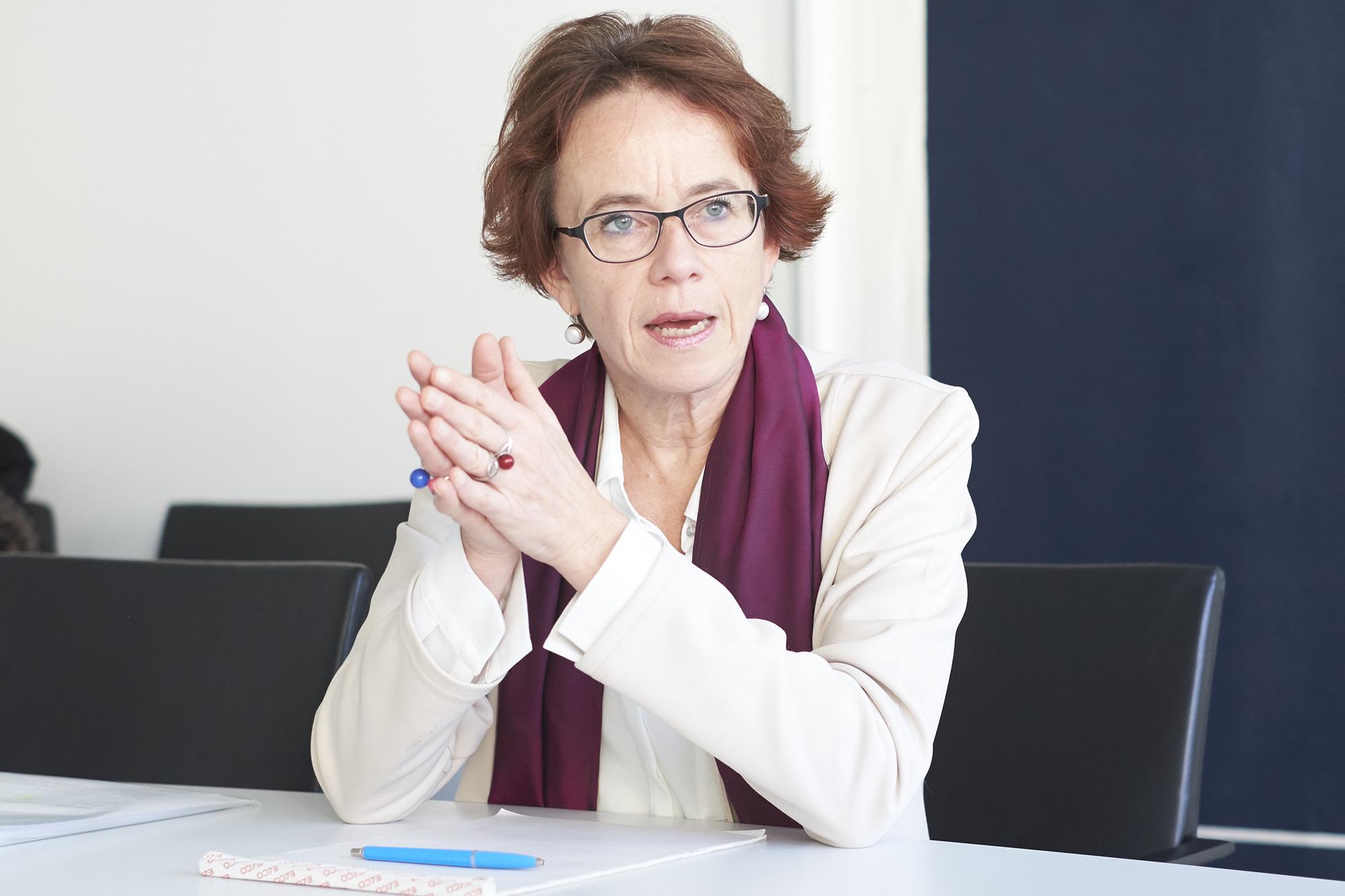 «Wir wollten nicht warten, bis das Defizit da ist.» Eva Herzog zum Entlastungspaket