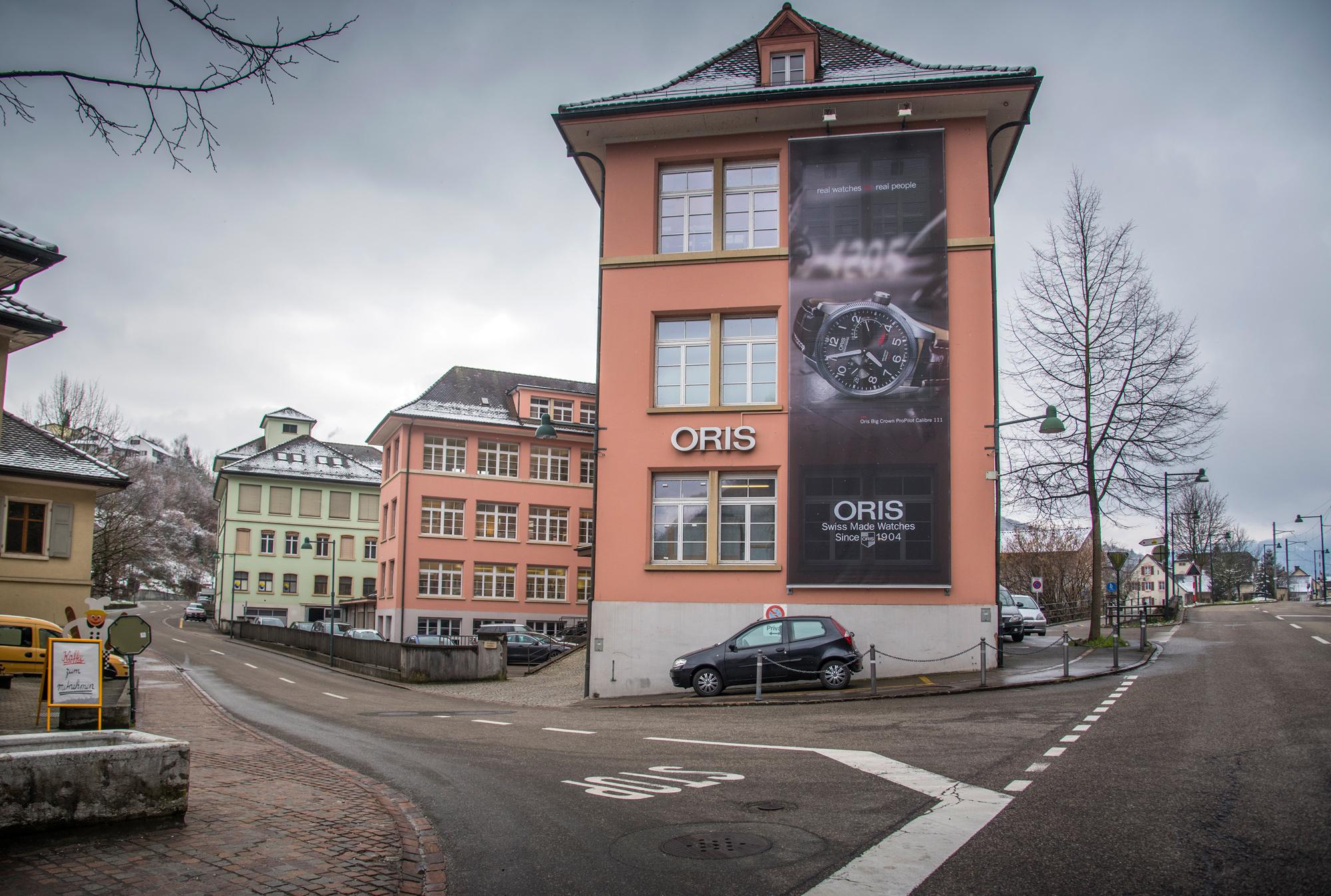 Im vorderen Teil des Gebäude stellt Oris weiterhin Uhren her. Der hintere Teil wurde verkauft.