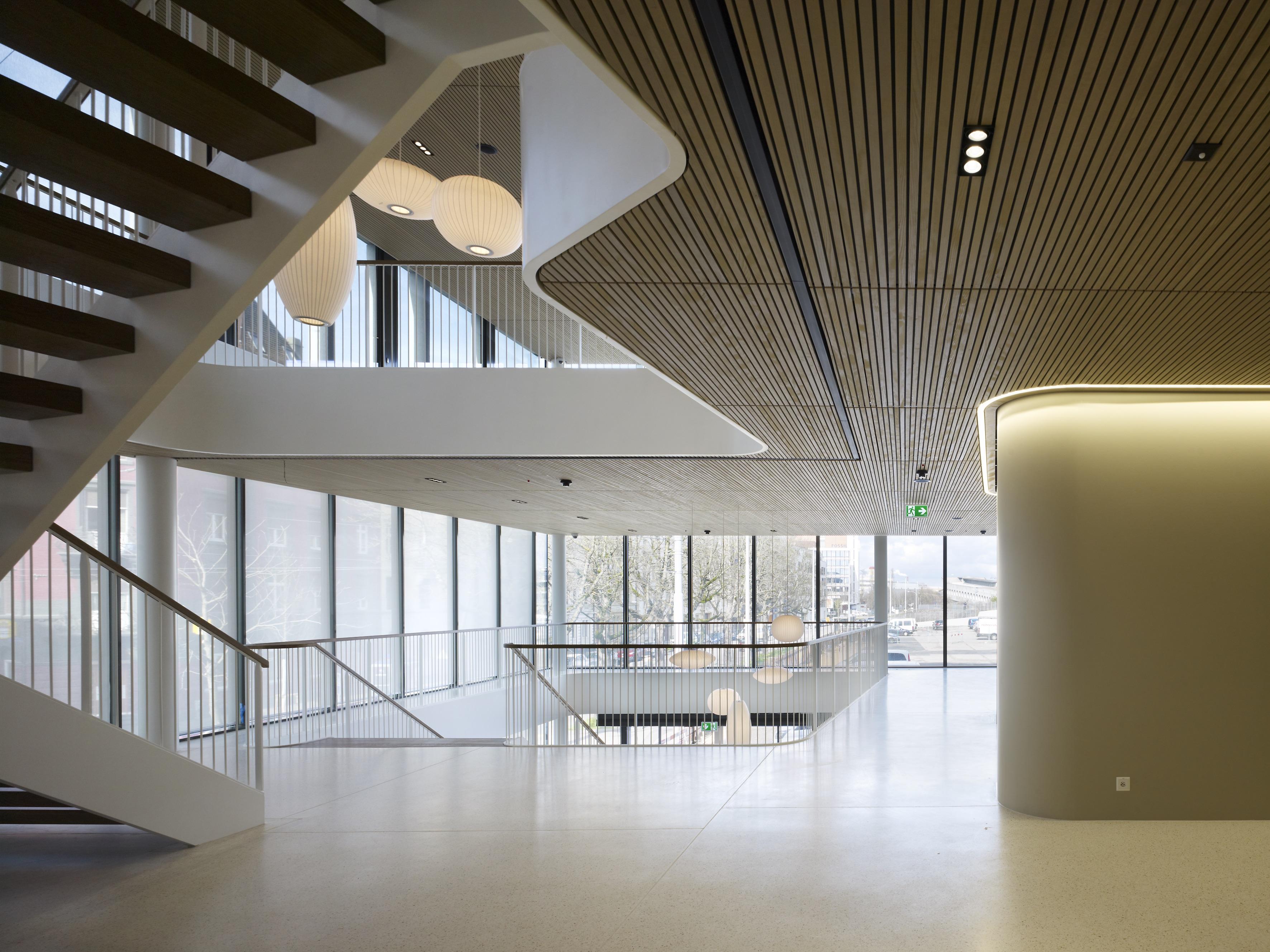 Lichte Innenräume im neuen Fossil-Hauptsitz