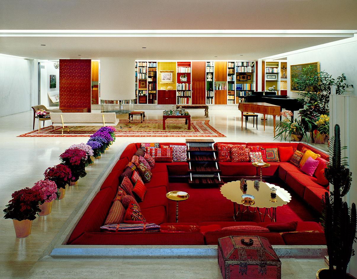 Ein Sinn für kraftvolle Farben: Das Miller House in Columbus, designt von Eero Saarinen und eingerichtet von Alexander Girard.