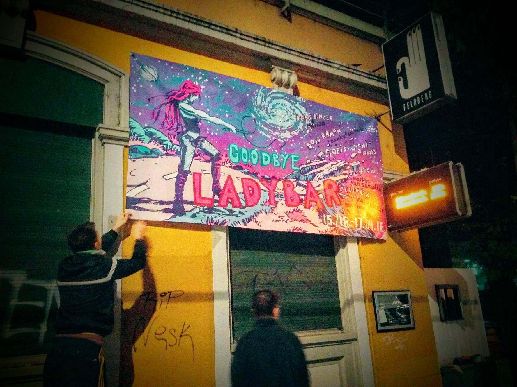 Ready für die letzten Partys an der Ecke Feldberg-/Klybeckstrasse.