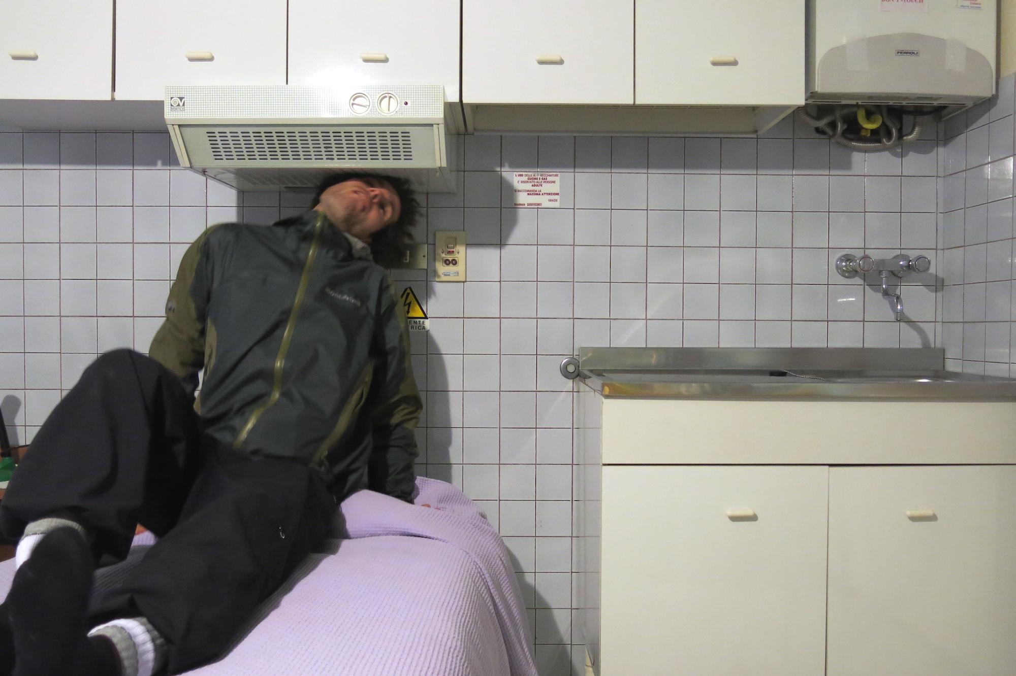 Asti, Zeit zum Luft holen. Neue Abzugssysteme garantieren ungestörten Schlaf, selbst bei schlechtem Atem des Bettnachbars.