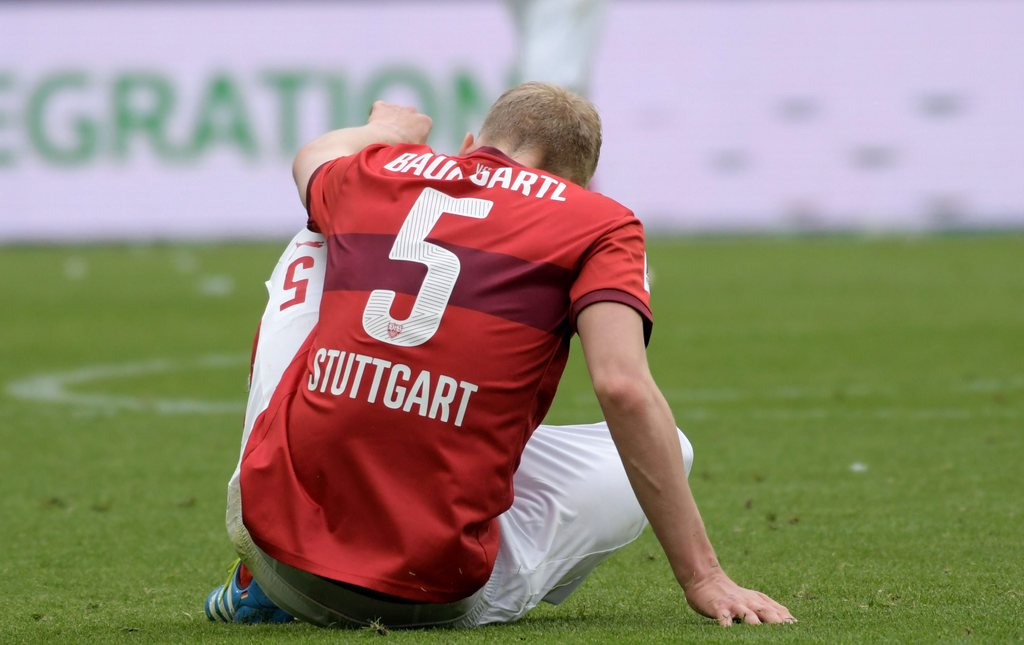 epa05305956 Stuttgart's Timo Baumgartl after the German Bundesliga soccer match between VfL Wolfsburg and VfB Stuttgart at Volkswagen Arena in Wolfsburg, Germany, 14 May 2016. ..(EMBARGO CONDITIONS - ATTENTION: Due to the accreditation guidlines, the DFL only permits the publication and utilisation of up to 15 pictures per match on the internet and in online media during the match.) EPA/PETER STEFFEN