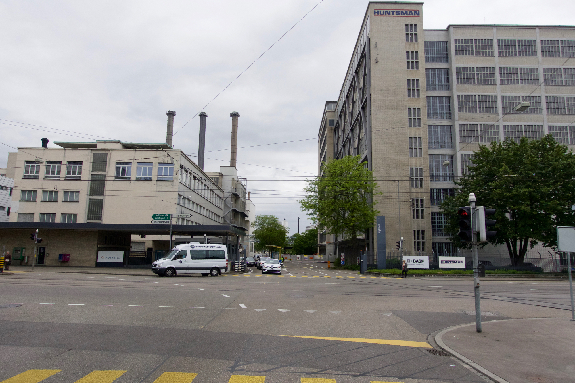 In Zukunft wird die Mauerstrasse nicht mehr an der Mauzer zum Industrieareal enden, sondern als neue Quartierstrasse bis zum Rhein führen.