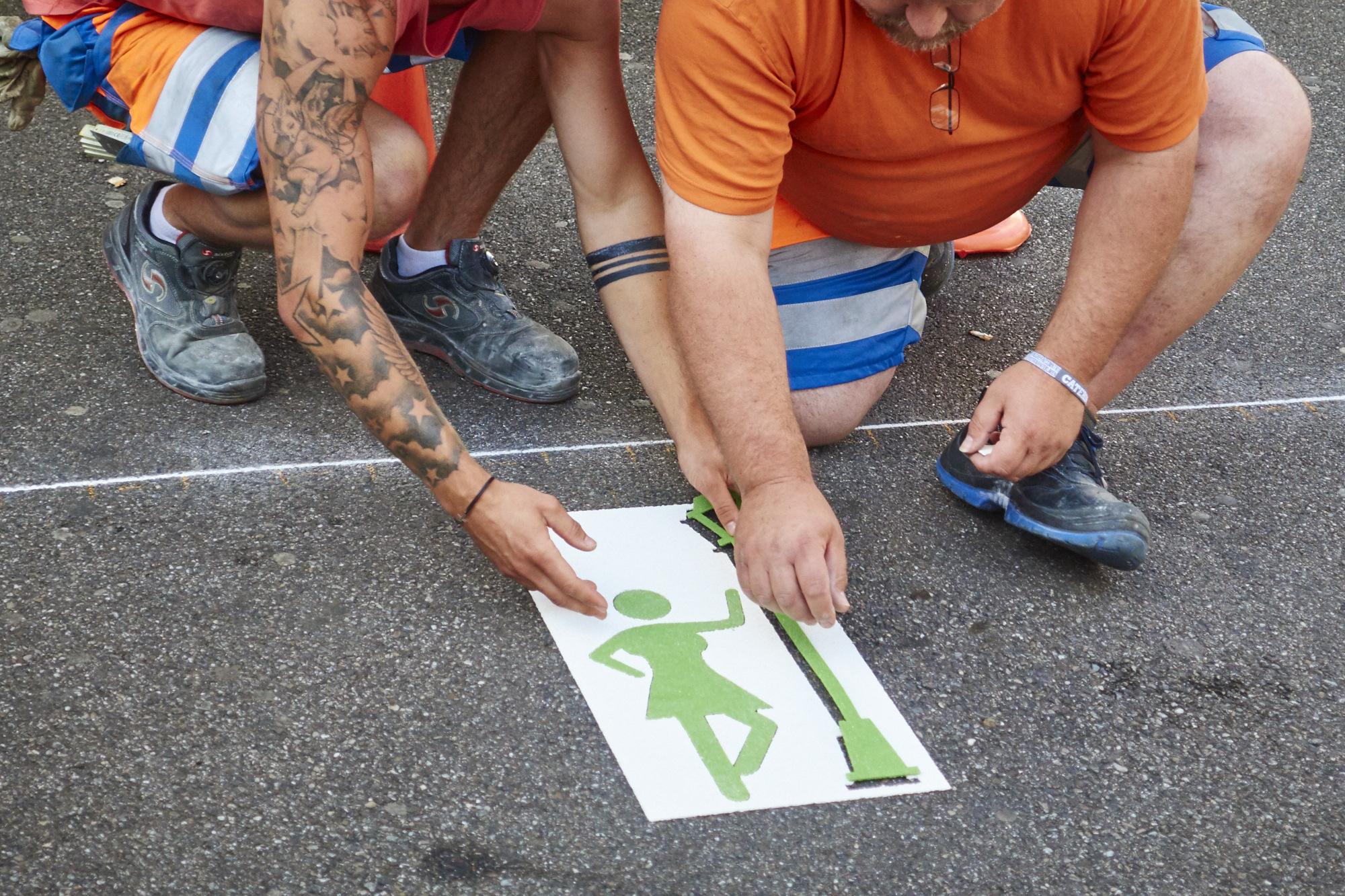 Dame und Laternenpfahl: «Das Piktogramm soll in erster Linie deutlich sein und nicht politisch korrekt», sagt Baschi Dürr.