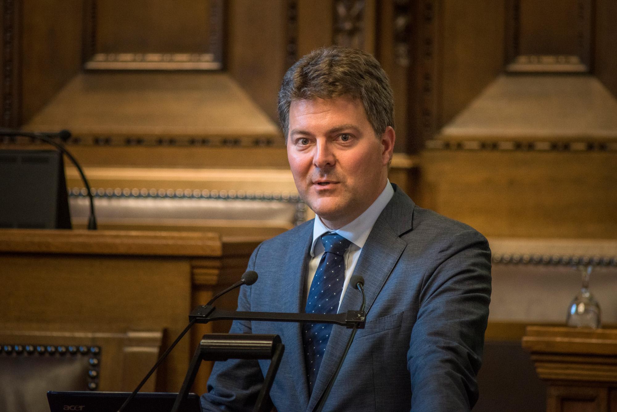 Der Europaabgeordnete Dr. Andreas Schwab (CDU, Baden-Württemberg), Zuständiger für die Beziehungen Schweiz-EU, bei seinem Vortrag.