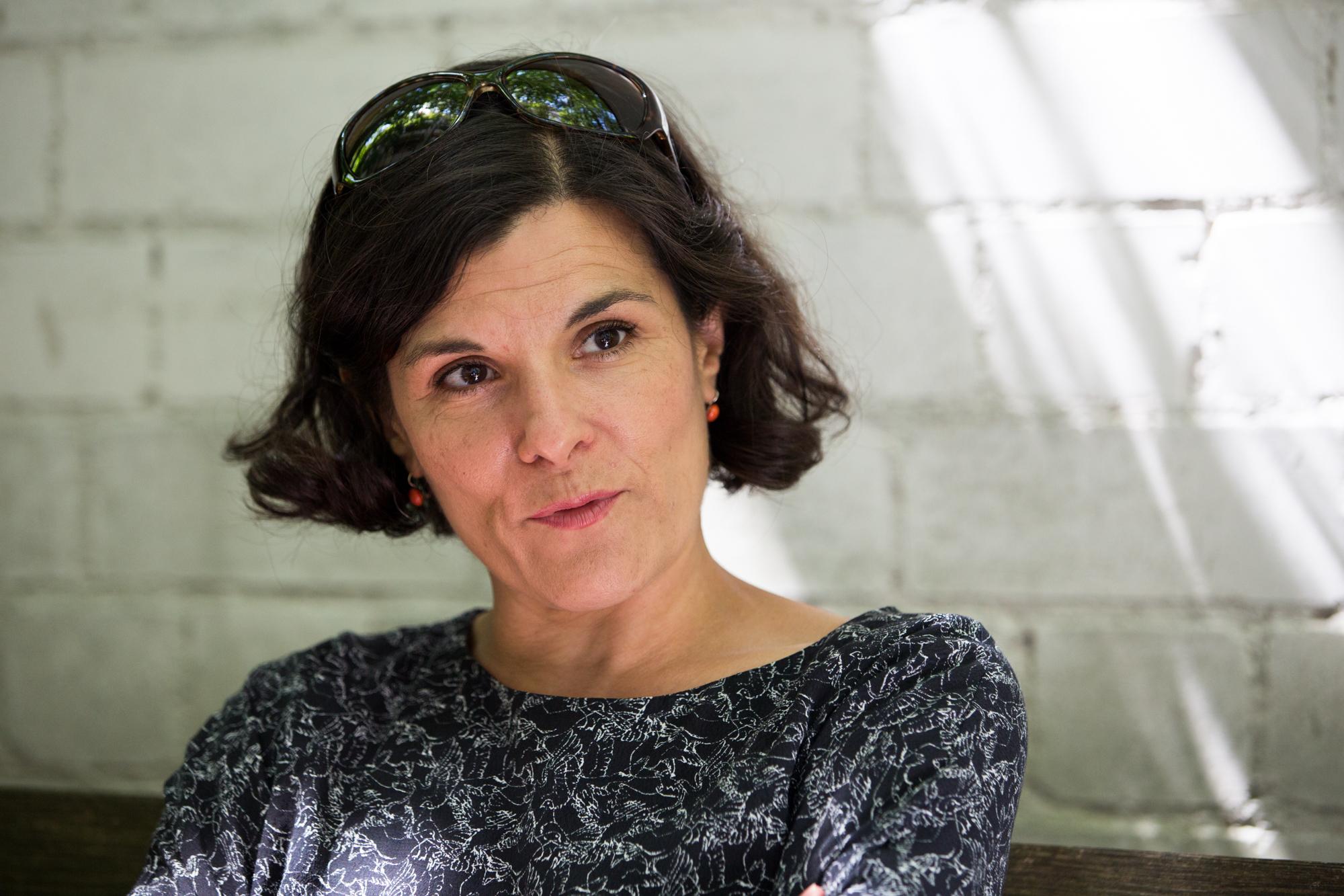 Inés Mateos lebt seit 20 Jahren am Burgweg. Sie gehört zum harten Kern der Mieter, die gegen die Kündigung ankämpfen.