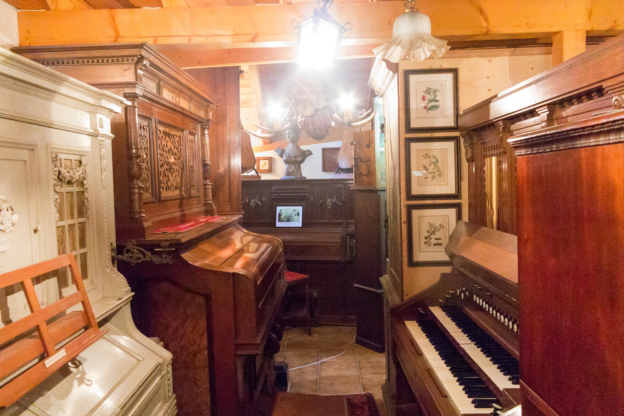 Instrumente, Bilder, Lampen – viele verschieden Sammlungen sind in diesem Museum vereint.