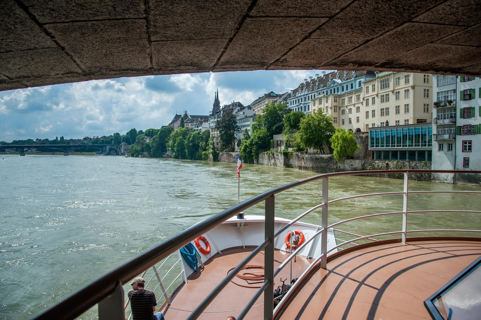 Die Kursfahrt beginnt am Dreiländereck – wir steigen an der Schifflände in Basel dazu.