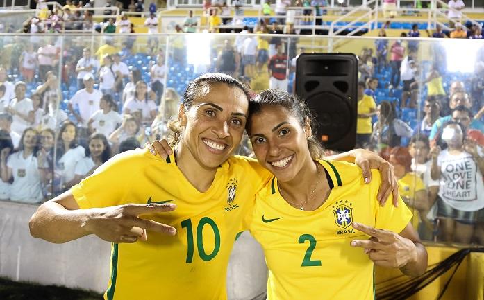 Die 30-jährige Marta Vieira da Silva (links) mit ihrer Teamkollegin Fabiana.